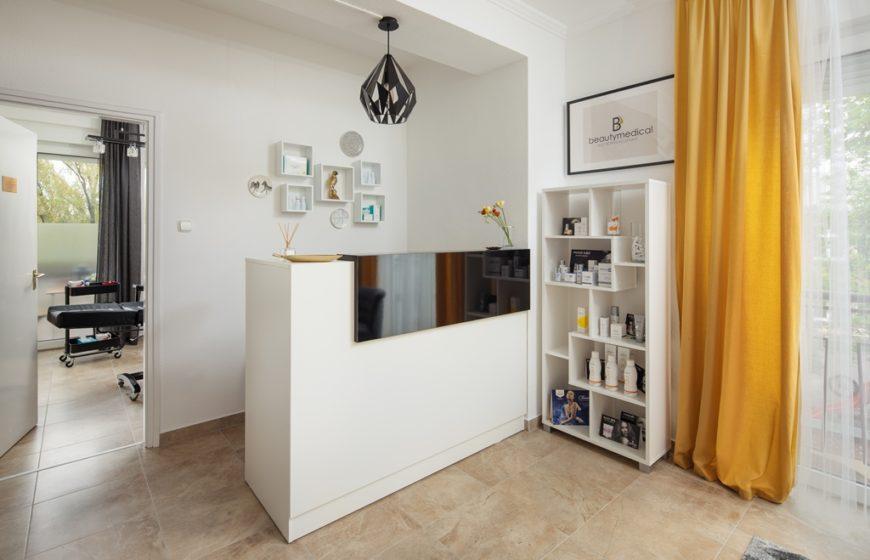 Fehér szoba - recepció